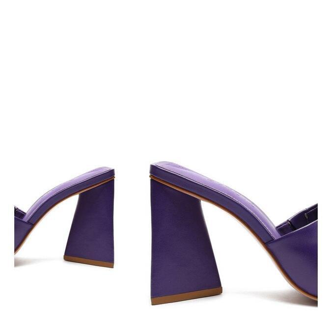Sandália Schutz Mule Salto Triangle Couro Roxa