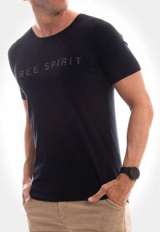 Camiseta Free Spirit Red Feather