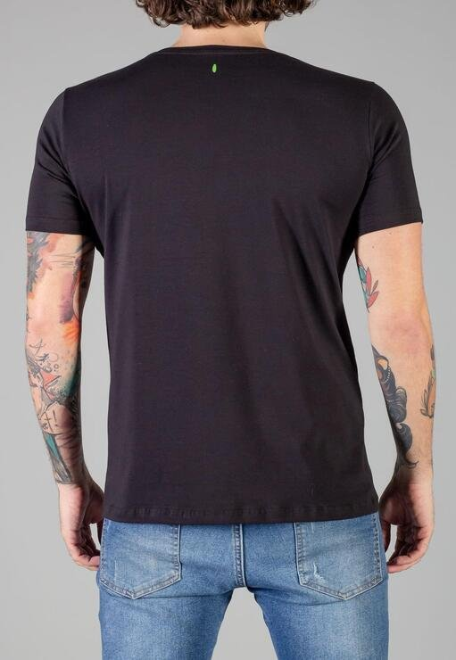 Camiseta Coffe Shop Red Feather